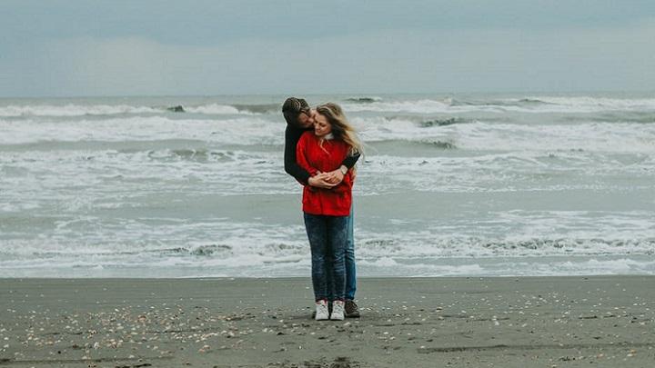 enamorados-en-la-playa