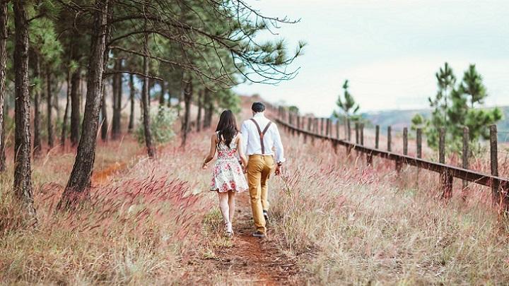 pareja-paseando