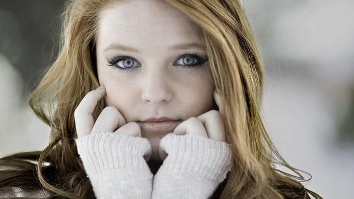 chica-de-ojos-azules