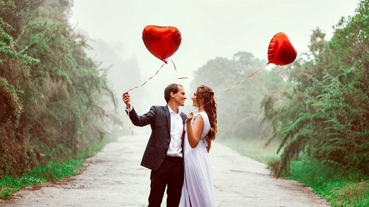 enamorados-con-globos
