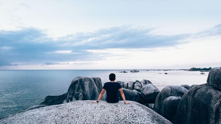chico-mirando-el-mar