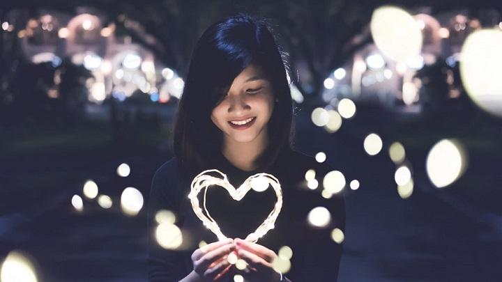 chica-con-un-corazon
