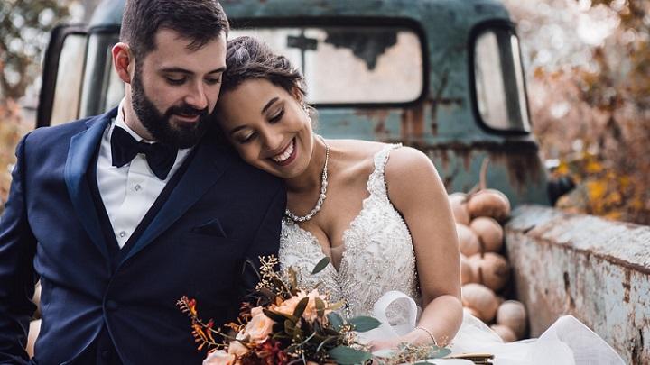 pareja-celebra-su-boda