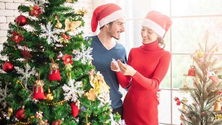 pareja-en-navidad
