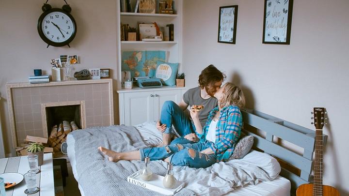 pareja-en-el-dormitorio