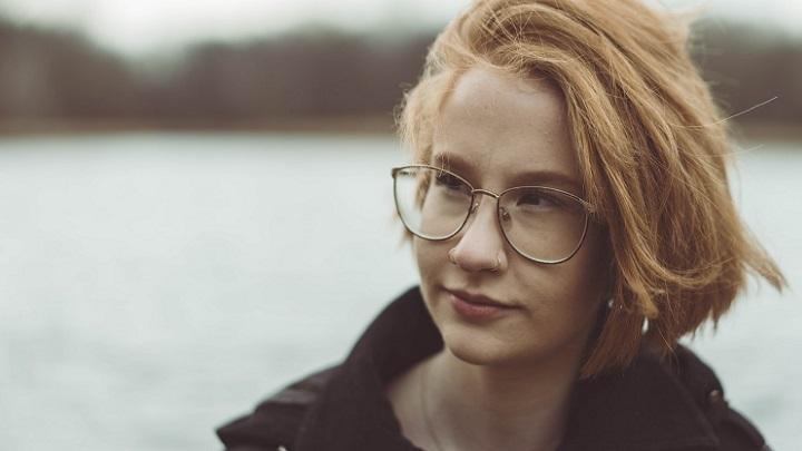 joven-con-gafas