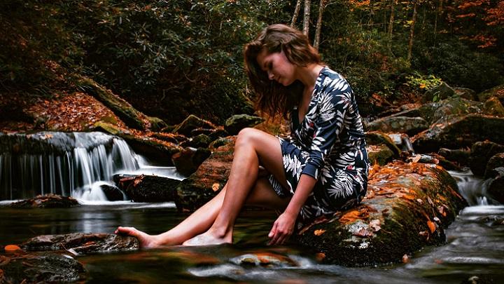 mujer-en-la-naturaleza