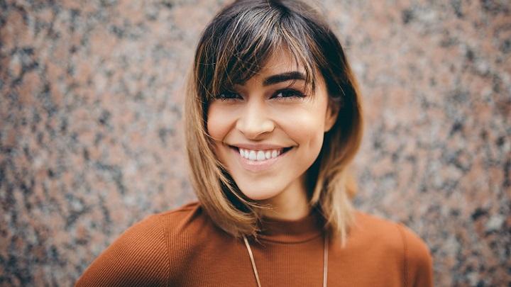 chica-joven-y-sonriente