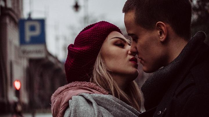 instante-romantico-de-pareja