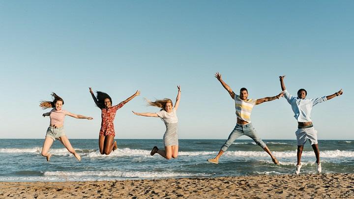 amigos-en-la-playa