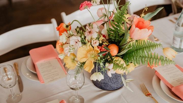 flores-en-mesa-de-boda