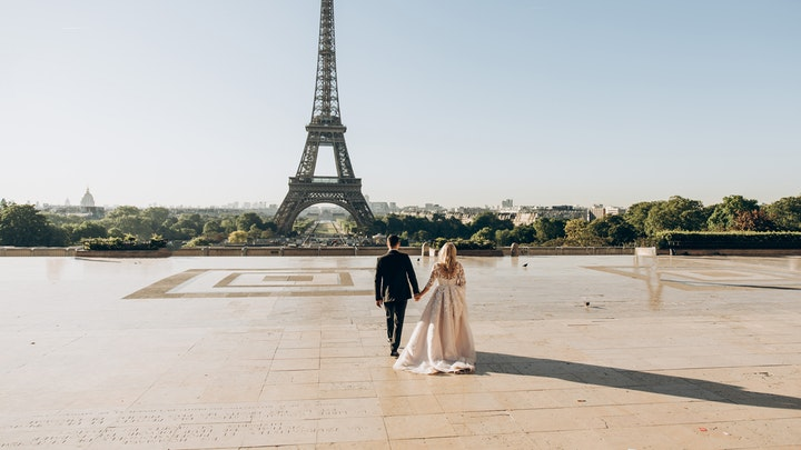 pareja-joven-en-boda