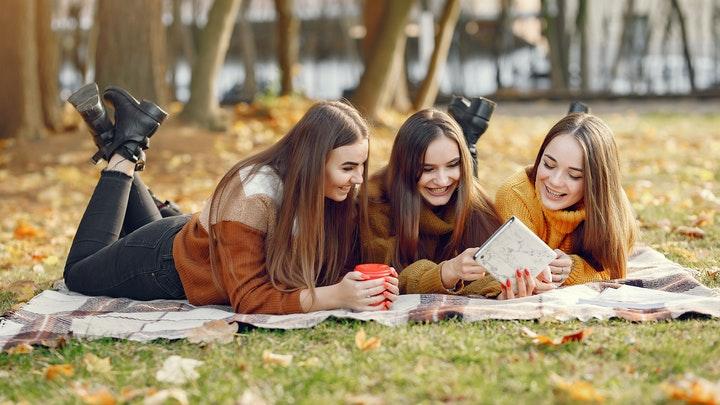 cuidar-la-comunicacion-con-amigos-comunes-tras-la-ruptura