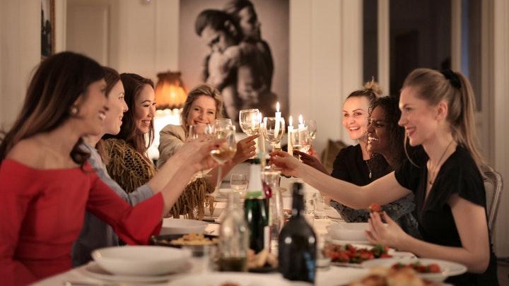 cena-de-amigas